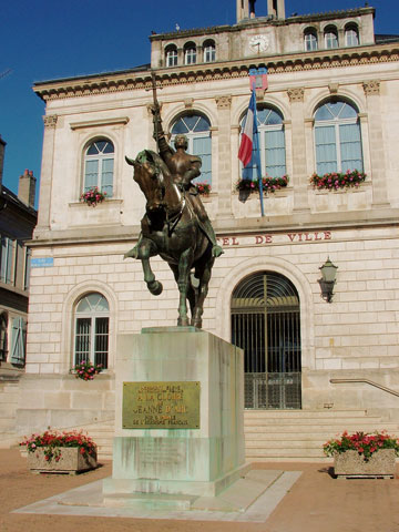 Statue of Joan of Arc on horseback in Vaucouleurs